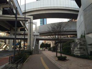 東急東横線の池尻大橋駅から御殿場行きバス停までの道順14